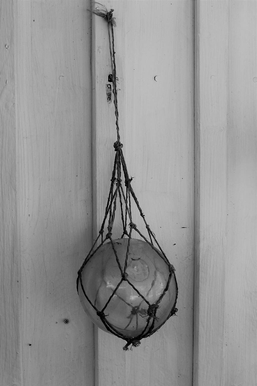 glass-ball-2406723_1280